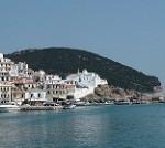 【エーゲ海 スコペロス島】英国王が歌って踊りまくるミュージカル