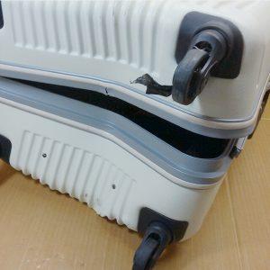 破損スーツケース