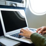 スーツケースとパソコンの飛行機内持ち込み